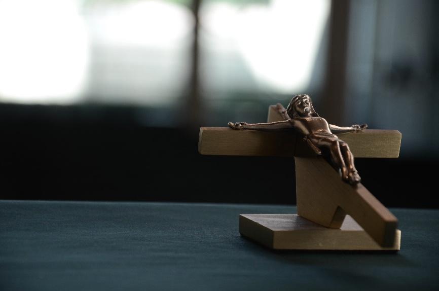 obseques-catholiques-enterrement-eglise
